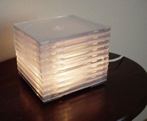 09 luminaria caixa cd 500x411 11 ideias para reciclar caixas de CD