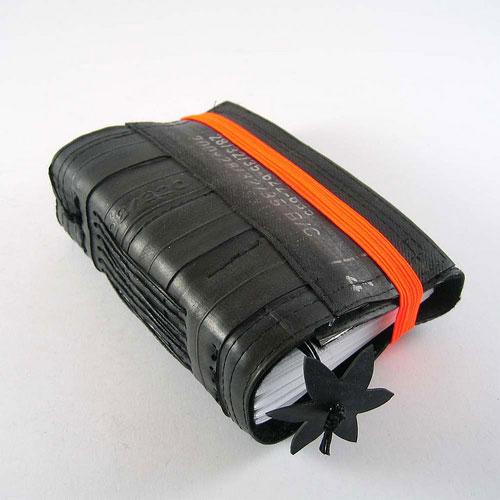 10033164 63ffceb2a2 o Cadernos com capa de câmara de bicicleta