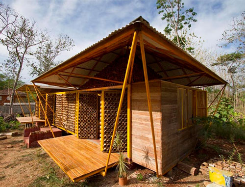 10064400 c18733d5a3 o Casa de Bambu na Costa Rica