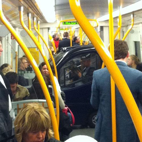 10082814 a2a348a637 o O dia em que um carro pegou o metrô