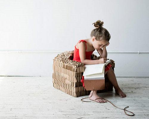 9714058 e97ca42e0a o Poltrona de papelão para crianças