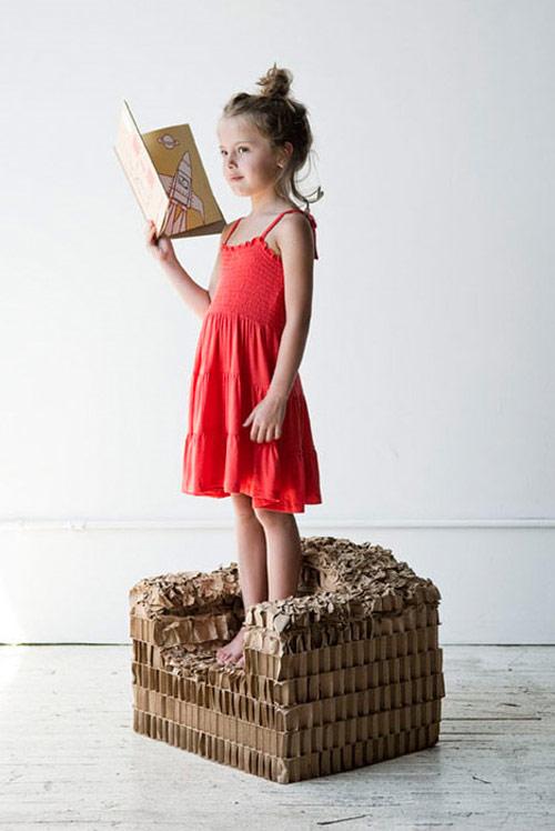 9714059 45fefc0e0f o Poltrona de papelão para crianças