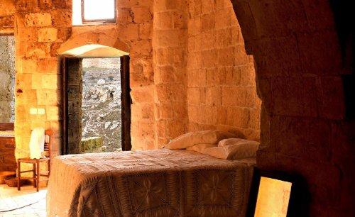 hotel caverna le grotte della civita 10 Hotel dentro de uma caverna na Itália