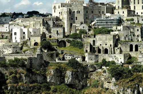 hotel caverna le grotte della civita 11 Hotel dentro de uma caverna na Itália