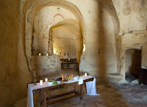 hotel caverna le grotte della civita 17 Hotel dentro de uma caverna na Itália