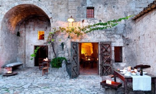 hotel caverna le grotte della civita 8 Hotel dentro de uma caverna na Itália