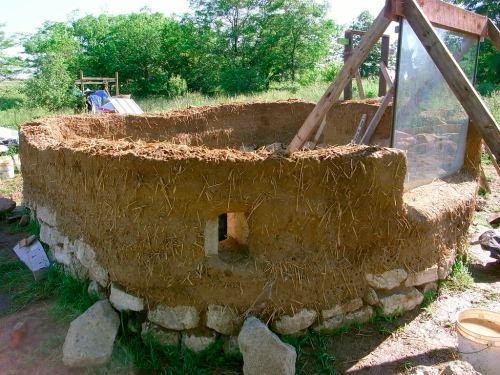 ZZ27F65241 Construindo uma casa natural