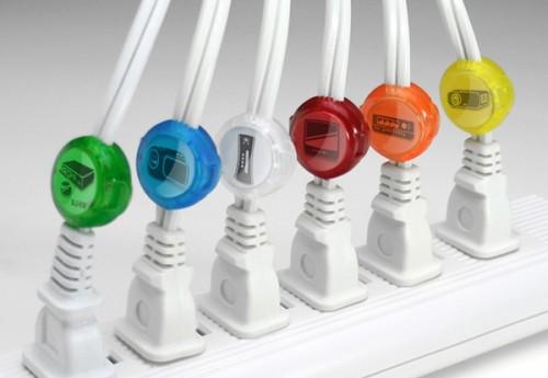 11 cord identifiers 500x345 26 ideias para organizar os cabos do escritório