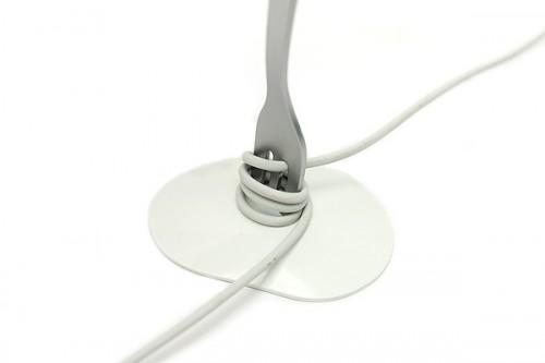 18 fork organizador cabo 500x333 26 ideias para organizar os cabos do escritório
