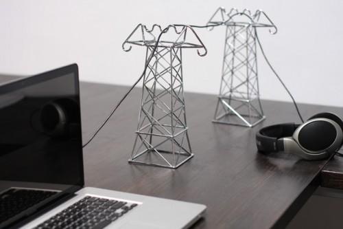 xx cable power lines organizador cabo 500x333 26 ideias para organizar os cabos do escritório