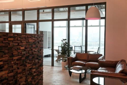 carhartt work escritorio 01 500x333 Escritório e Showroom em Hong Kong