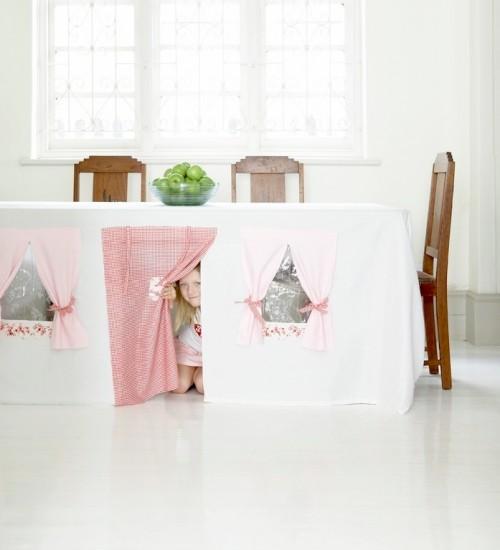 toalha casa brincar crianca 01 500x550 Toalha transforma mesa em casa para brincar