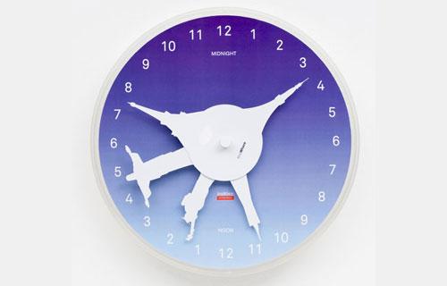 2703139793 251306e9d6 o 100+ Relógios de parede, de mesa e despertadores