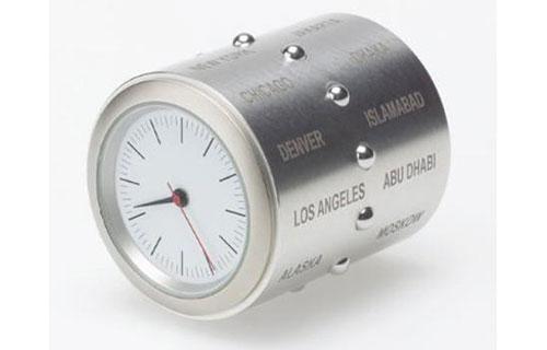 2703141563 69c62b7946 o 100+ Relógios de parede, de mesa e despertadores