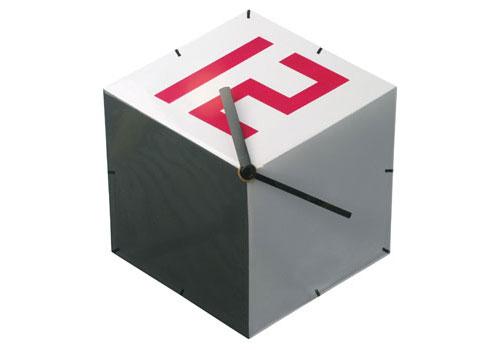 2703141981 fb26ce8b7c o 100+ Relógios de parede, de mesa e despertadores