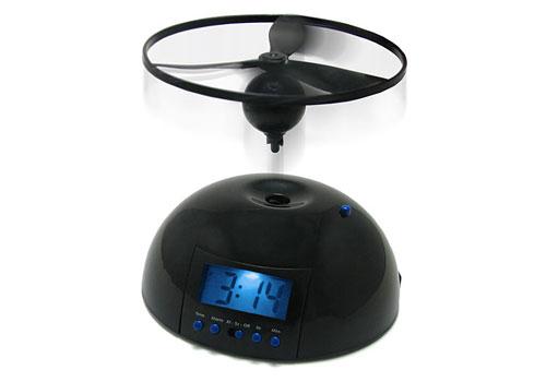 2703959782 1c975149c6 o 100+ Relógios de parede, de mesa e despertadores