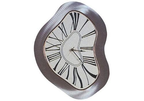 2703964402 72db49e813 o 100+ Relógios de parede, de mesa e despertadores