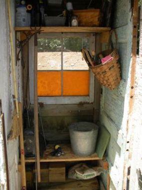 edicula ferramentas jardim 03 Edícula feita só com portas