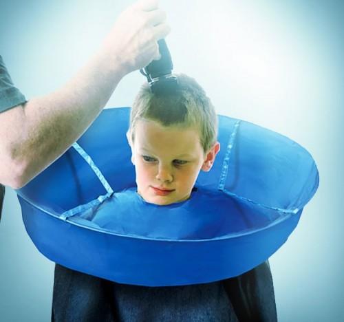 haircut umbrella 500x468 Como cortar cabelo sem fazer sujeira