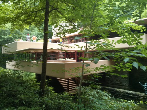 rodrigobarba casadacascata fallingwater 06 500x375 Uma visita a Casa da Cascata de Frank Lloyd Wright